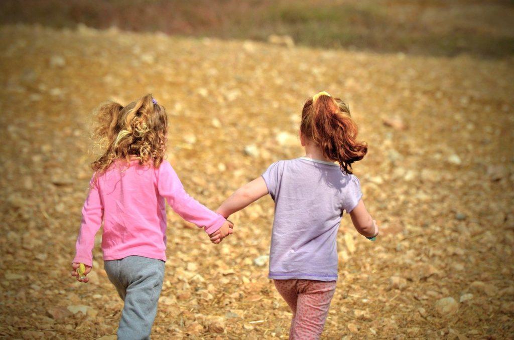 child, fun, outdoors-3147809.jpg