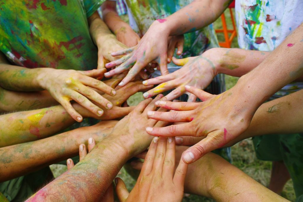 hands, colorful, paint-2706109.jpg